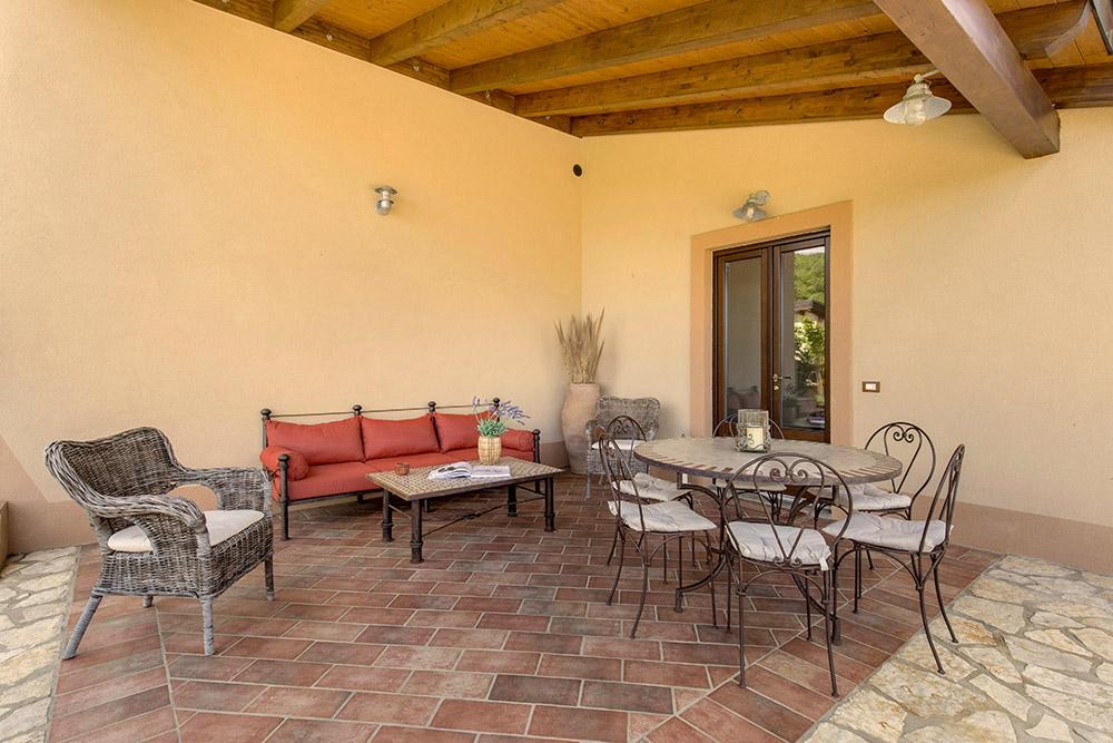 1-Villa-Cerro-Sotto-For-sale-holiday-farm-stay-Italy-Antonio-Russo-Real-Estate-Borgo-L-Incanto-Tuscany-Accommodation-Facility.jpg