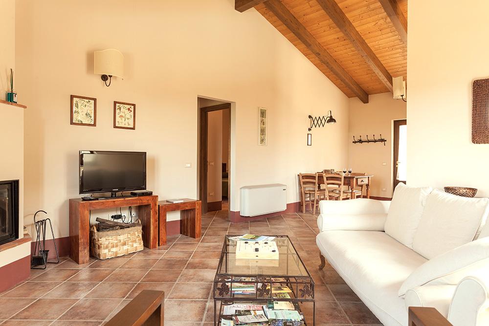 6-Villa-Fonte-Sopra-For-sale-holiday-farm-stay-Italy-Antonio-Russo-Real-Estate-Borgo-L-Incanto-Tuscany-Accommodation-Facility.jpg