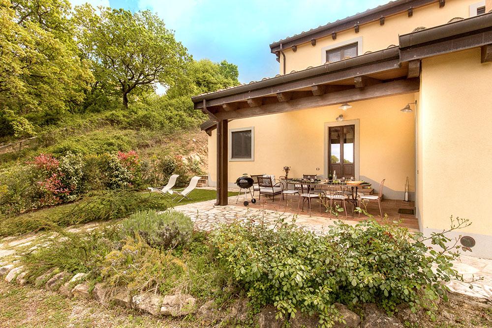 1-Villa-Fonte-Sotto-For-sale-holiday-farm-stay-Italy-Antonio-Russo-Real-Estate-Borgo-L-Incanto-Tuscany-Accommodation-Facility.jpg