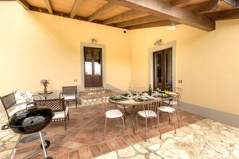 3-Villa-Fonte-Sotto-For-sale-holiday-farm-stay-Italy-Antonio-Russo-Real-Estate-Borgo-L-Incanto-Tuscany-Accommodation-Facility.jpg