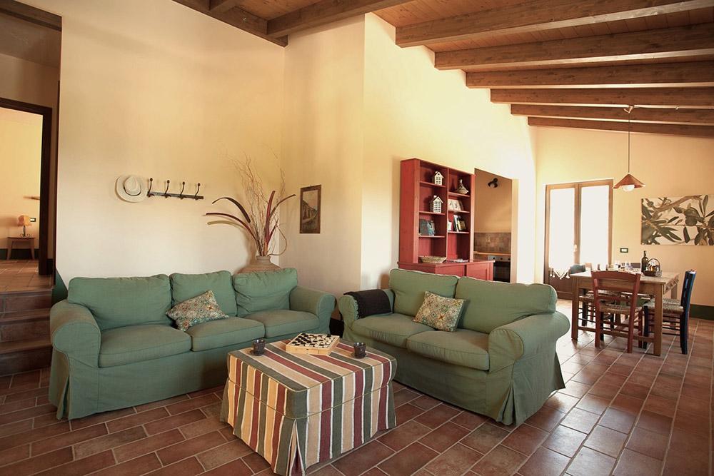4-Villa-Fonte-Sotto-For-sale-holiday-farm-stay-Italy-Antonio-Russo-Real-Estate-Borgo-L-Incanto-Tuscany-Accommodation-Facility.jpg
