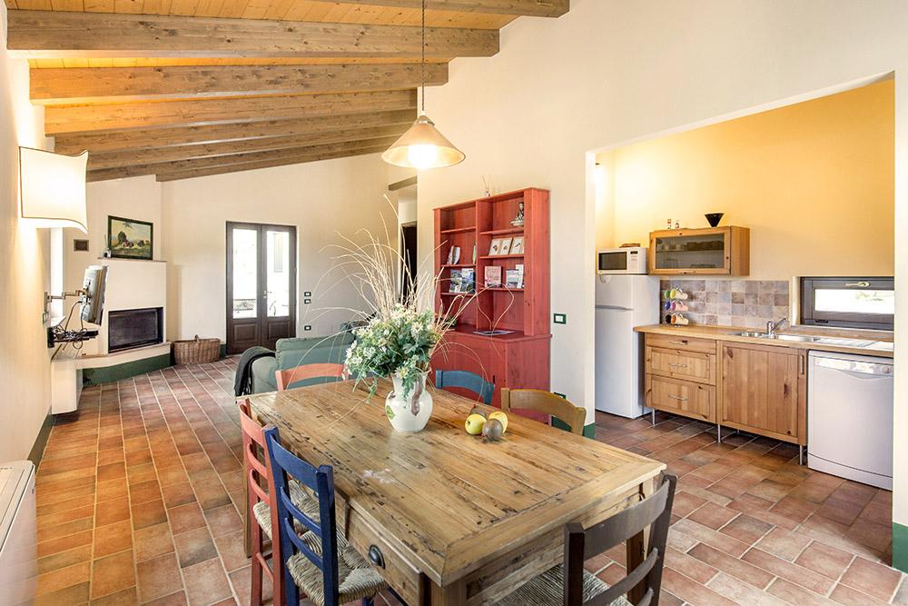 5-Villa-Fonte-Sotto-For-sale-holiday-farm-stay-Italy-Antonio-Russo-Real-Estate-Borgo-L-Incanto-Tuscany-Accommodation-Facility.jpg
