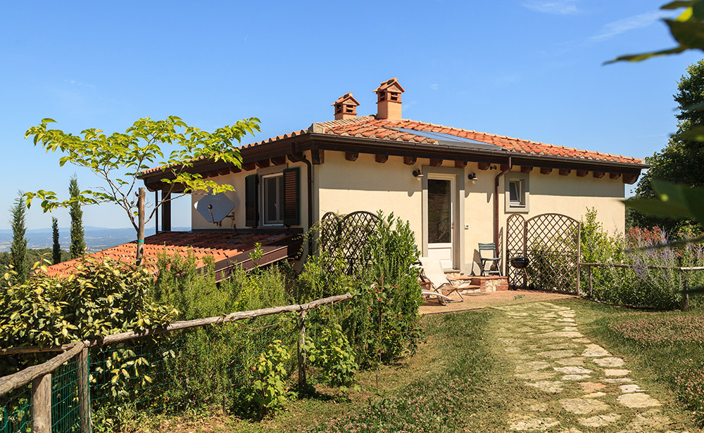 1-Villa-Sughera-Sopra-For-sale-holiday-farm-stay-Italy-Antonio-Russo-Real-Estate-Borgo-L-Incanto-Tuscany-Accommodation-Facility.jpg