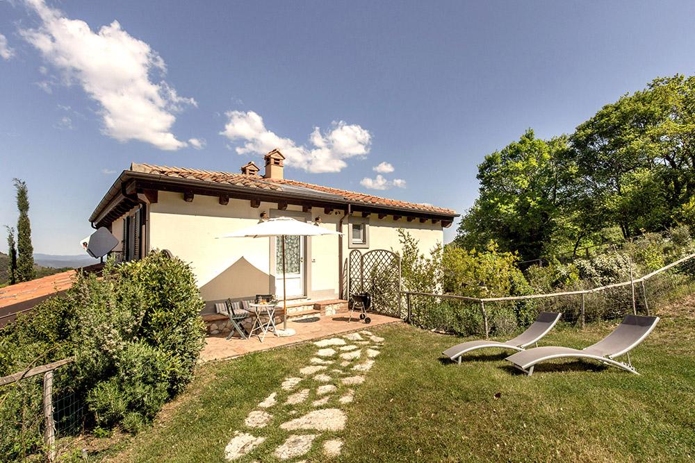 2-Villa-Sughera-Sopra-For-sale-holiday-farm-stay-Italy-Antonio-Russo-Real-Estate-Borgo-L-Incanto-Tuscany-Accommodation-Facility.jpg