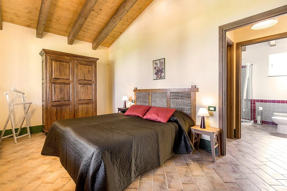 8-Villa-Sughera-Sopra-For-sale-holiday-farm-stay-Italy-Antonio-Russo-Real-Estate-Borgo-L-Incanto-Tuscany-Accommodation-Facility.jpg