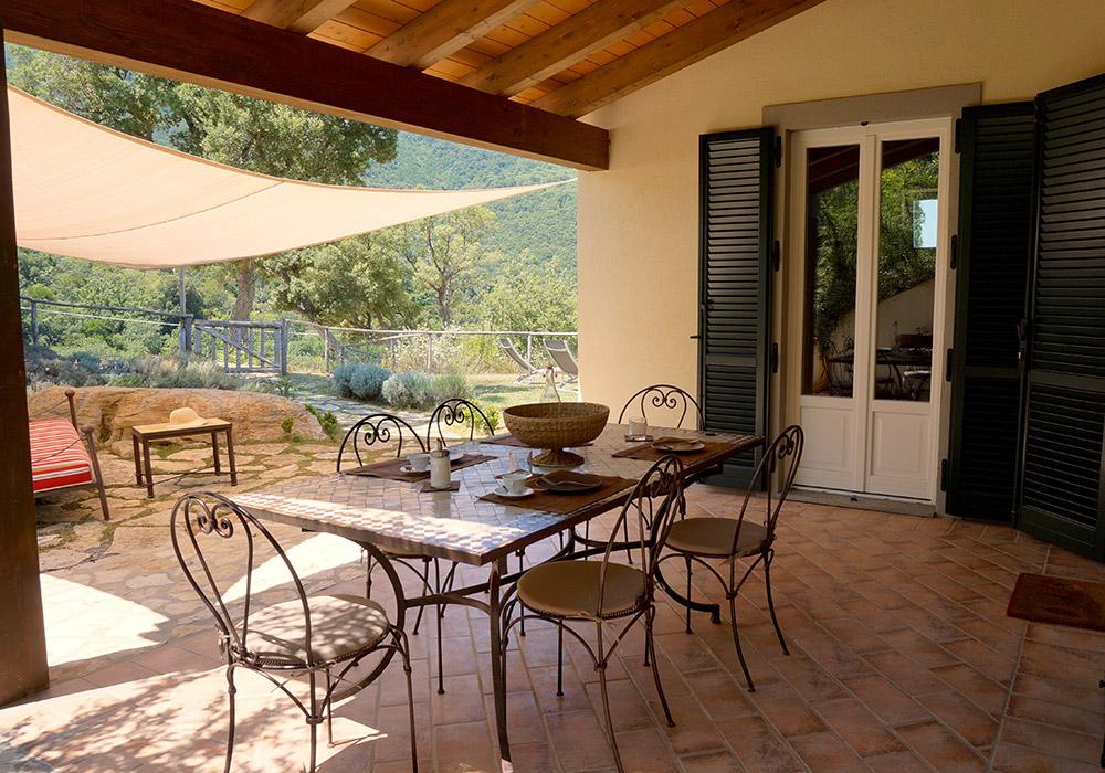 4-Villa-Sughera-Sotto-For-sale-holiday-farm-stay-Italy-Antonio-Russo-Real-Estate-Borgo-L-Incanto-Tuscany-Accommodation-Facility.jpg
