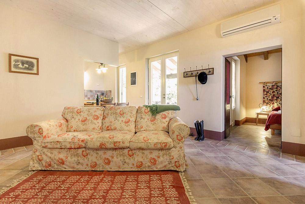 5-Villa-Sughera-Sotto-For-sale-holiday-farm-stay-Italy-Antonio-Russo-Real-Estate-Borgo-L-Incanto-Tuscany-Accommodation-Facility.jpg