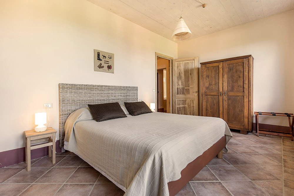 8-Villa-Sughera-Sotto-For-sale-holiday-farm-stay-Italy-Antonio-Russo-Real-Estate-Borgo-L-Incanto-Tuscany-Accommodation-Facility.jpg