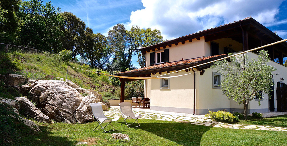 1-Villa-Sugherina-For-sale-holiday-farm-stay-Italy-Antonio-Russo-Real-Estate-Borgo-L-Incanto-Tuscany-Accommodation-Facility.jpg