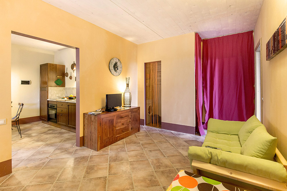 3-Villa-Sugherina-For-sale-holiday-farm-stay-Italy-Antonio-Russo-Real-Estate-Borgo-L-Incanto-Tuscany-Accommodation-Facility.jpg