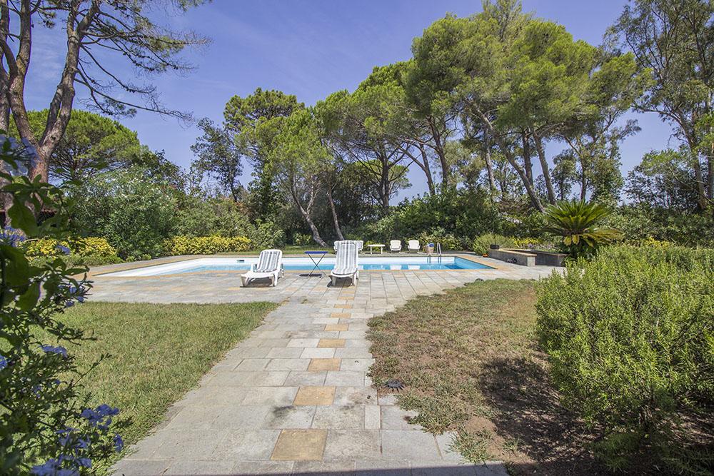 4-For-sale-luxury-villas-Italy-Antonio-Russo-Real-Estate-Villa-Beach-Punta-Ala-Tuscany.jpg
