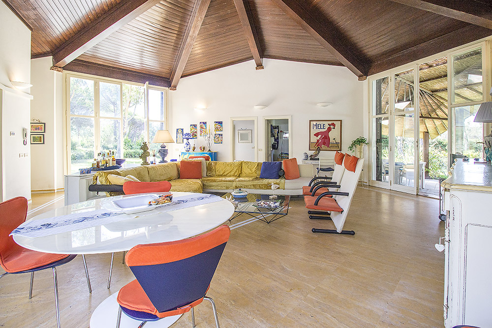 8-For-sale-luxury-villas-Italy-Antonio-Russo-Real-Estate-Villa-Beach-Punta-Ala-Tuscany.jpg