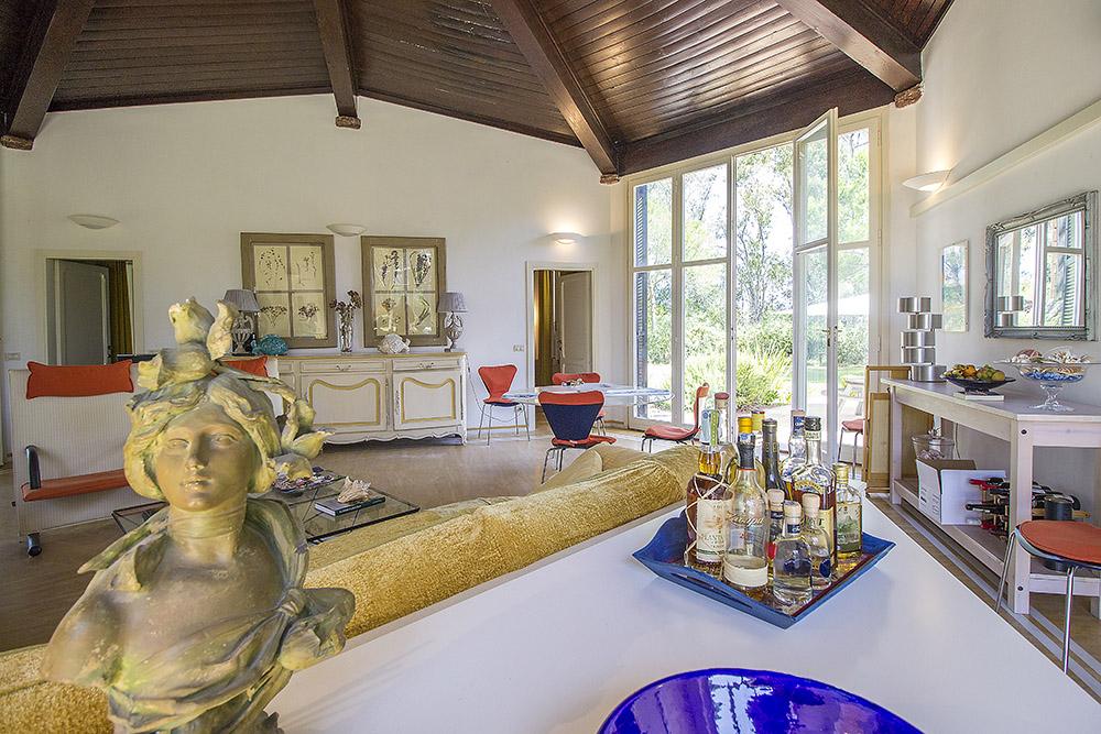 10-For-sale-luxury-villas-Italy-Antonio-Russo-Real-Estate-Villa-Beach-Punta-Ala-Tuscany.jpg