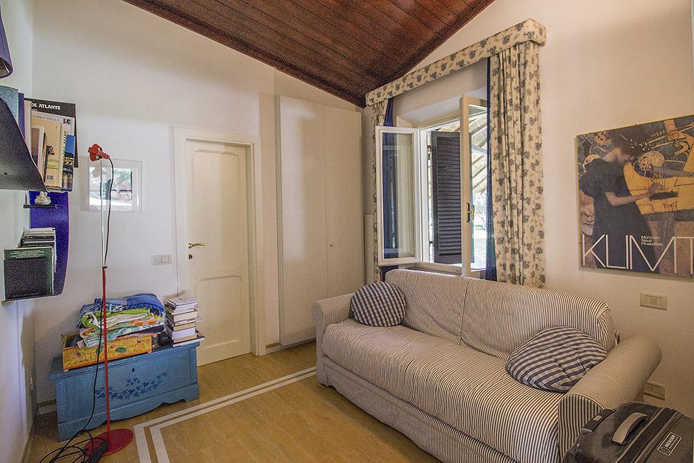 16-For-sale-luxury-villas-Italy-Antonio-Russo-Real-Estate-Villa-Beach-Punta-Ala-Tuscany.jpg