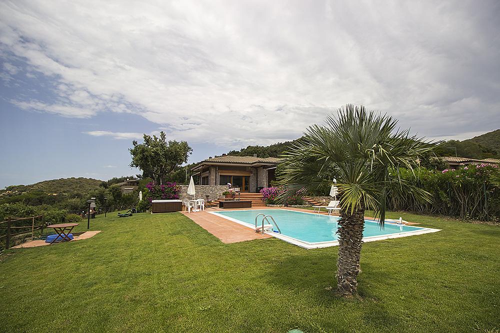 5-For-rent-luxury-villas-Italy-Antonio-Russo-Real-Estate-Villa-Elite-Punta-Ala-Tuscany.jpg