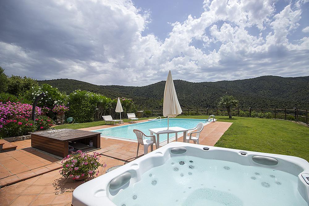8-For-rent-luxury-villas-Italy-Antonio-Russo-Real-Estate-Villa-Elite-Punta-Ala-Tuscany.jpg
