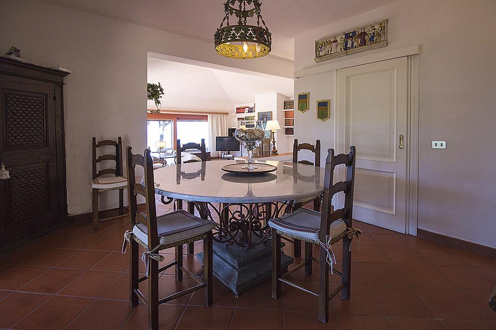 16-For-rent-luxury-villas-Italy-Antonio-Russo-Real-Estate-Villa-Elite-Punta-Ala-Tuscany.jpg