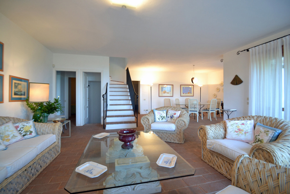 4-For-rent-luxury-villas-Italy-Antonio-Russo-Real-Estate-Villa-Sole-Punta-Ala-Tuscany.jpg