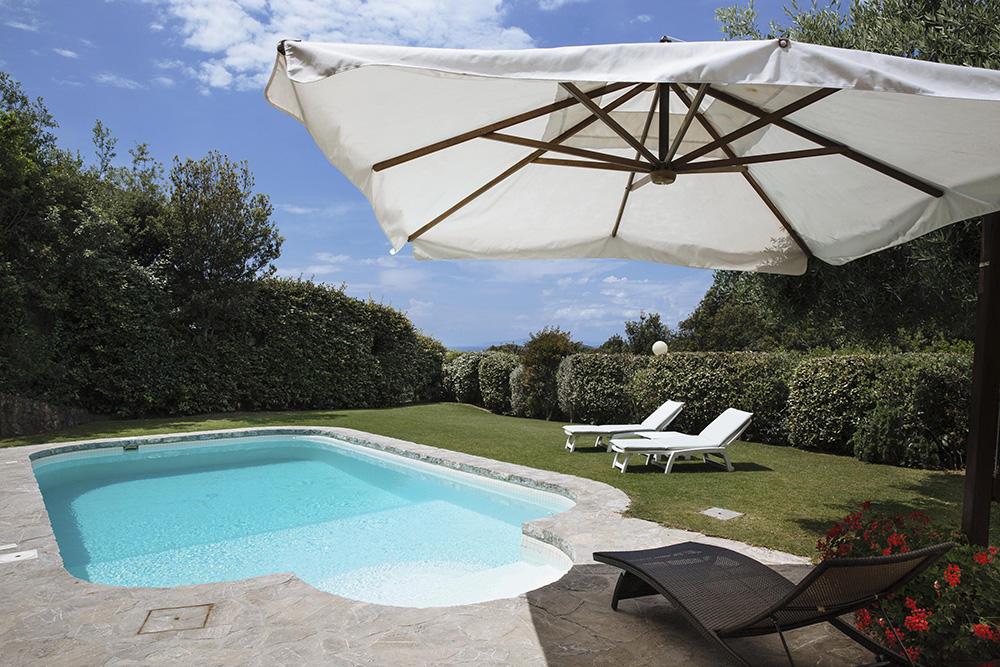 2-For-rent-luxury-villas-Italy-Antonio-Russo-Real-Estate-Villa-Fiorita-Punta-Ala-Tuscany.jpg