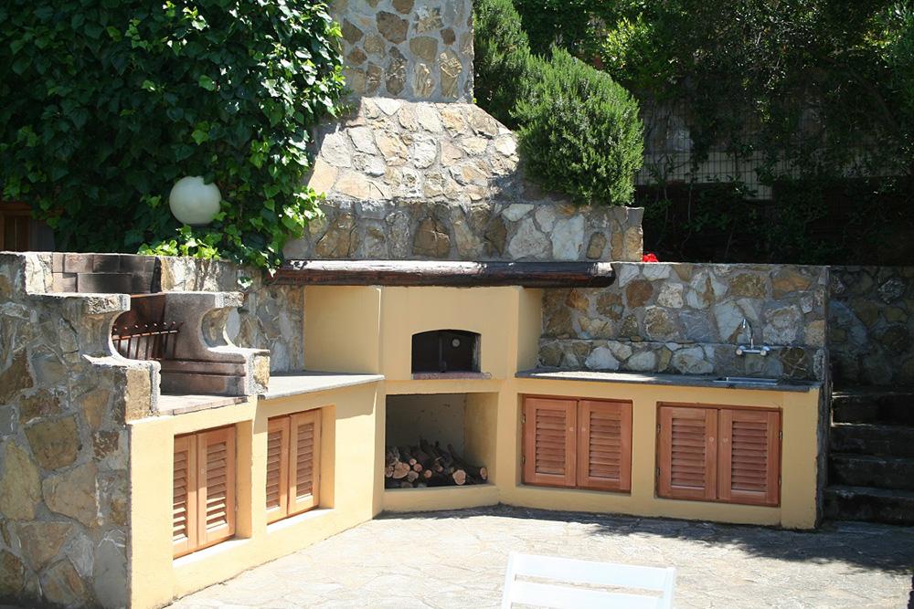 3-For-rent-luxury-villas-Italy-Antonio-Russo-Real-Estate-Villa-Fiorita-Punta-Ala-Tuscany.jpg