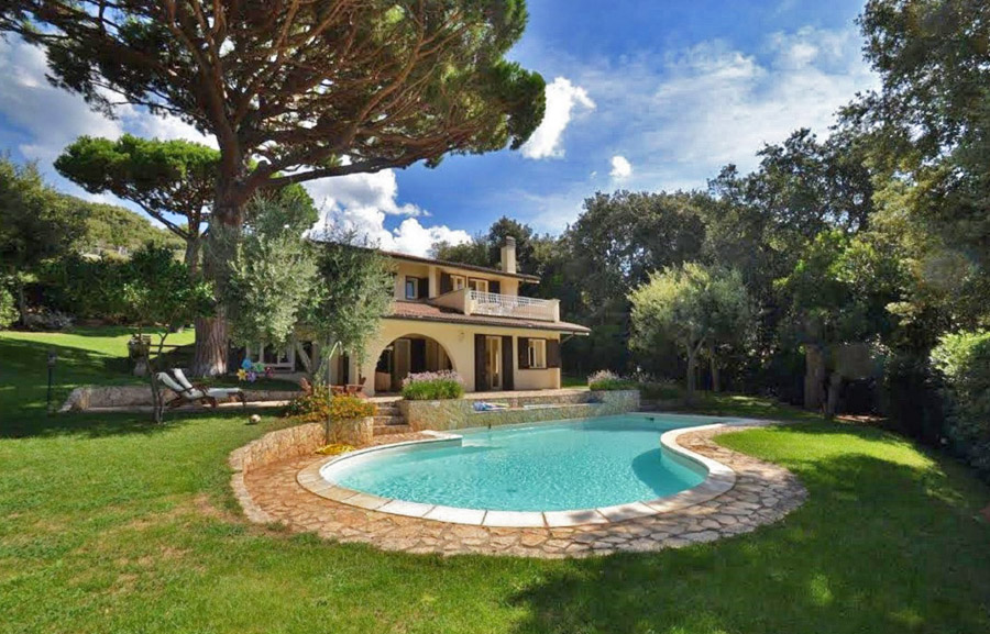 FOR RENT - Looking for luxury holiday rentals in the best locations of Italy? Let your dreams come true with us!