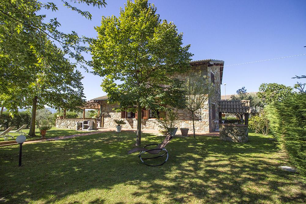 1-Casale-in-Valdarno-Farm-Terranuova-Bracciolini-Arezzo-Tuscany-For-sale-farmhouses-country-homes-in-Italy-Antonio-Russo-Real-Estate.jpg