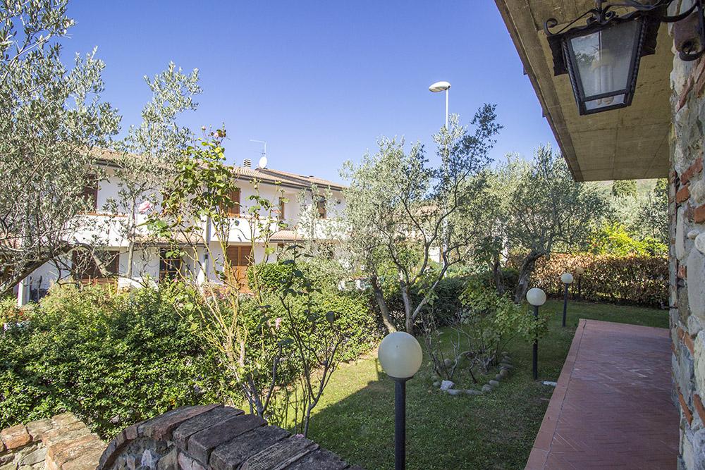 5-Casale-in-Valdarno-Farm-Terranuova-Bracciolini-Arezzo-Tuscany-For-sale-farmhouses-country-homes-in-Italy-Antonio-Russo-Real-Estate.jpg