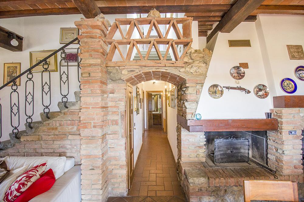 7-Casale-in-Valdarno-Farm-Terranuova-Bracciolini-Arezzo-Tuscany-For-sale-farmhouses-country-homes-in-Italy-Antonio-Russo-Real-Estate.jpg