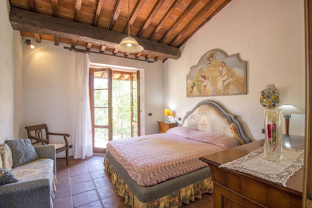 14-Casale-in-Valdarno-Farm-Terranuova-Bracciolini-Arezzo-Tuscany-For-sale-farmhouses-country-homes-in-Italy-Antonio-Russo-Real-Estate.jpg