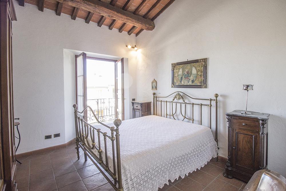 15-Casale-in-Valdarno-Farm-Terranuova-Bracciolini-Arezzo-Tuscany-For-sale-farmhouses-country-homes-in-Italy-Antonio-Russo-Real-Estate.jpg