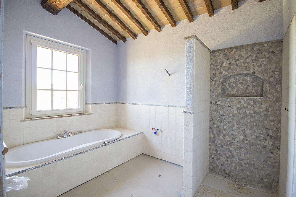 10-Casale-Il-Poggio-Farmhouse-Scansano-Montorgiali-Maremma-Tuscany-For-sale-farmhouses-country-homes-in-Italy-Antonio-Russo-Real-Estate.jpg