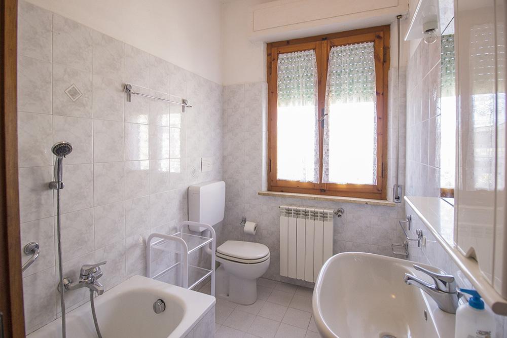 10-For-sale-exclusive-holiday-apartment-Italy-Antonio-Russo-Real-Estate-Montecristo-Apartment-Castiglione-della-Pescaia-Tuscany.jpg