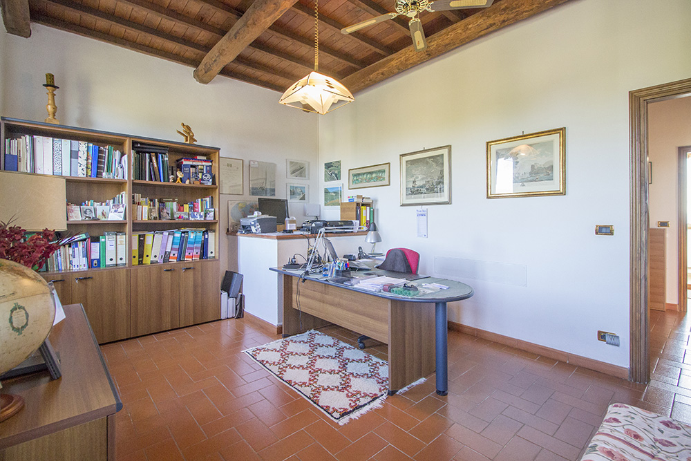 21-Casale-Preselle-Farmhouse-Scansano-Maremma-Tuscany-For-sale-farmhouses-country-homes-in-Italy-Antonio-Russo-Real-Estate.jpg