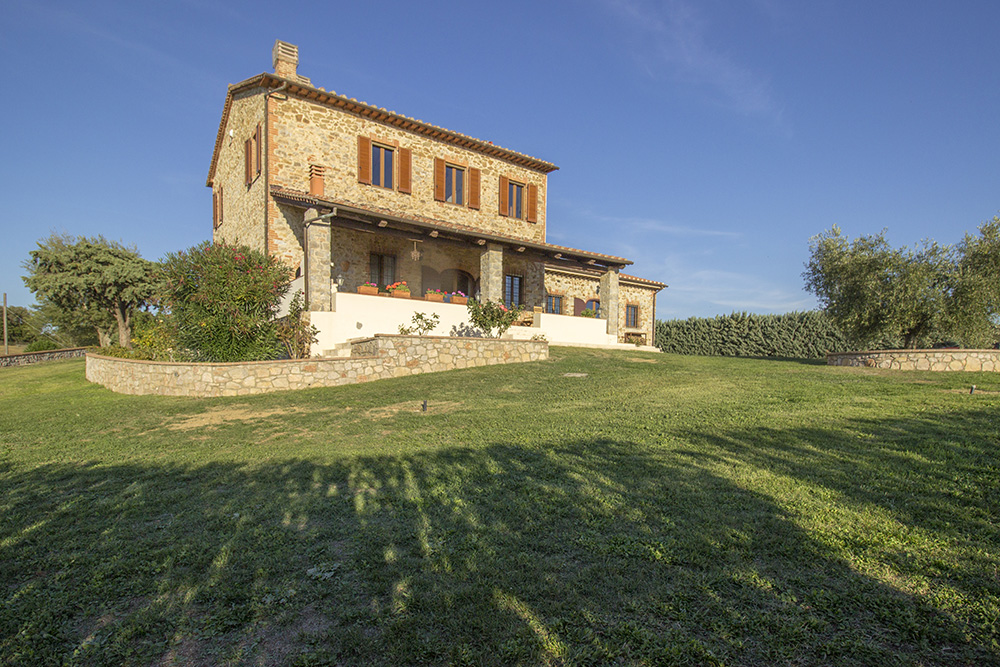 23-Casale-Preselle-Farmhouse-Scansano-Maremma-Tuscany-For-sale-farmhouses-country-homes-in-Italy-Antonio-Russo-Real-Estate.jpg