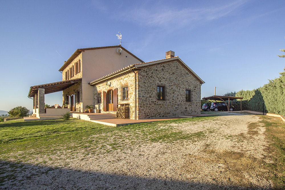 24-Casale-Preselle-Farmhouse-Scansano-Maremma-Tuscany-For-sale-farmhouses-country-homes-in-Italy-Antonio-Russo-Real-Estate.jpg