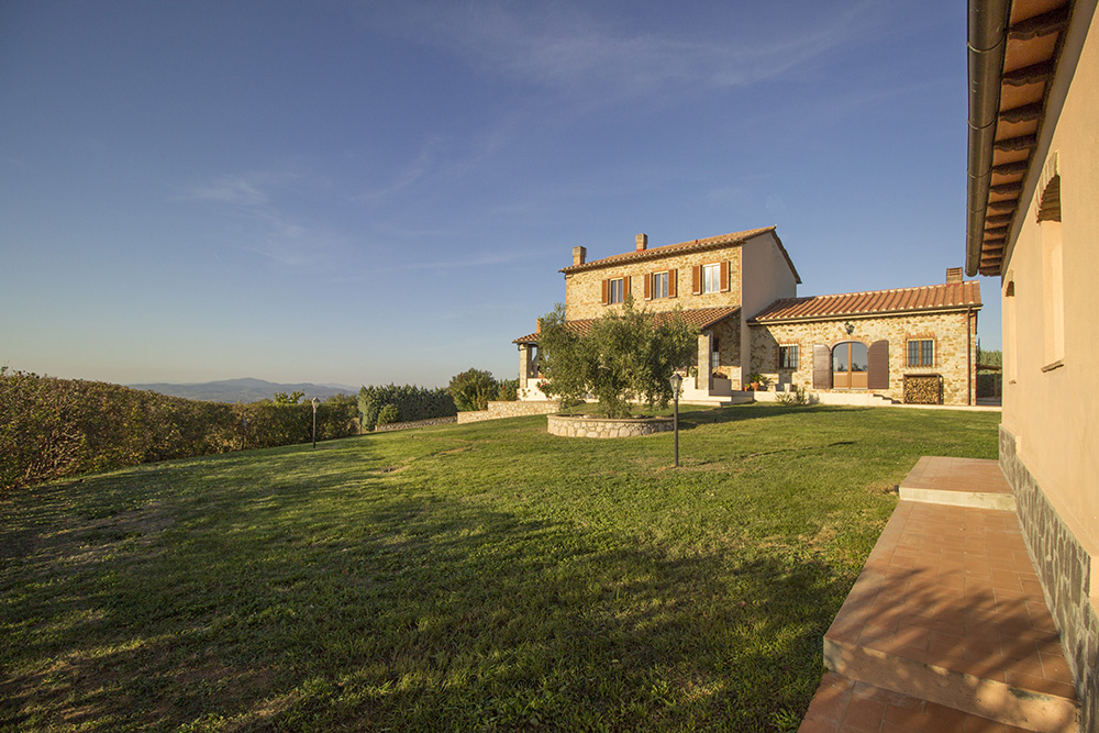 27-Casale-Preselle-Farmhouse-Scansano-Maremma-Tuscany-For-sale-farmhouses-country-homes-in-Italy-Antonio-Russo-Real-Estate.jpg
