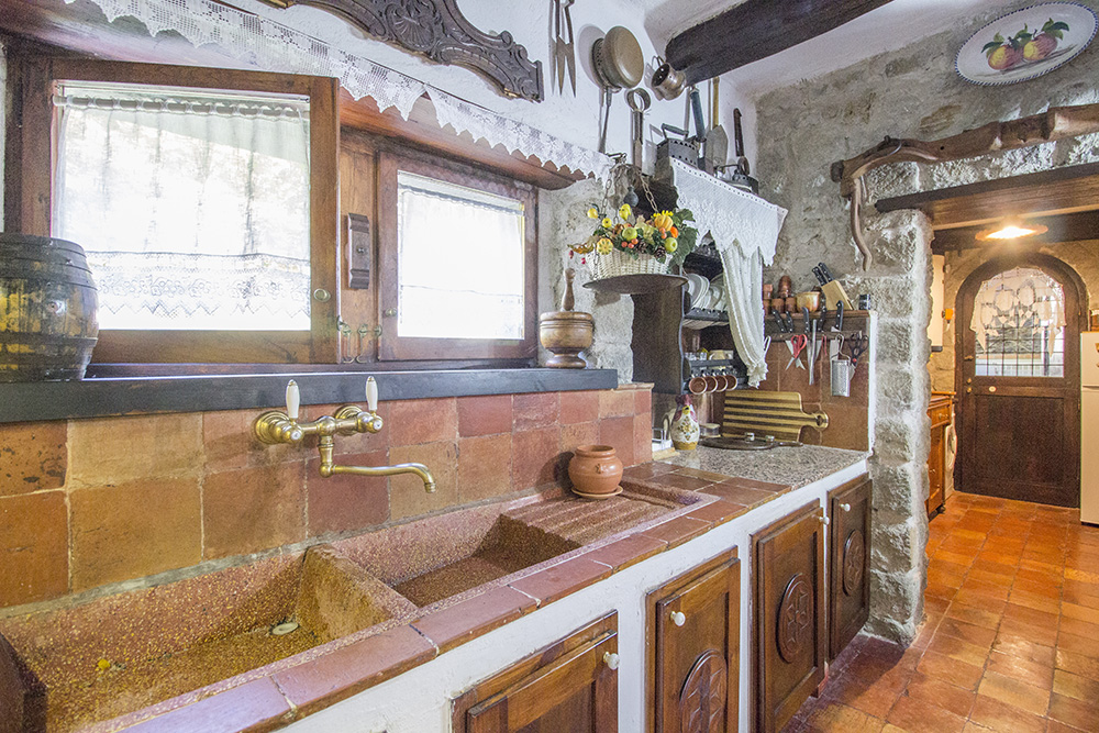 9-Il-Castagno-Farm-Santa-Fiora-Countryside-Tuscany-For-sale-farmhouses-country-homes-in-Italy-Antonio-Russo-Real-Estate.jpg