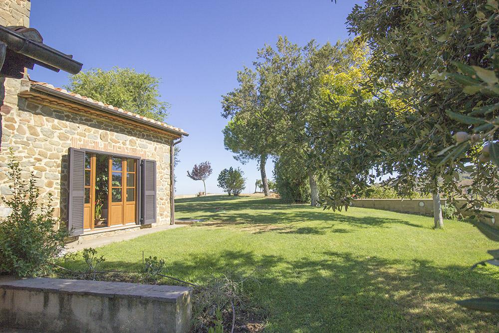 3-Casale-Val-delle-Vigne-Farm-Scansano-Maremma-Tuscany-For-sale-farmhouses-country-homes-in-Italy-Antonio-Russo-Real-Estate.jpg