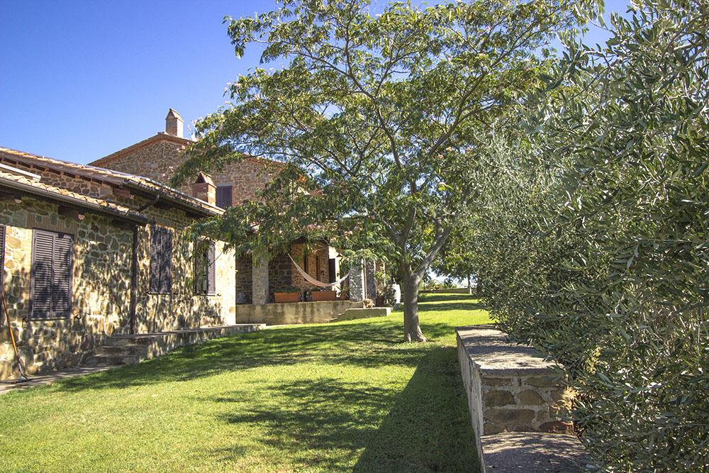 5-Casale-Val-delle-Vigne-Farm-Scansano-Maremma-Tuscany-For-sale-farmhouses-country-homes-in-Italy-Antonio-Russo-Real-Estate.jpg