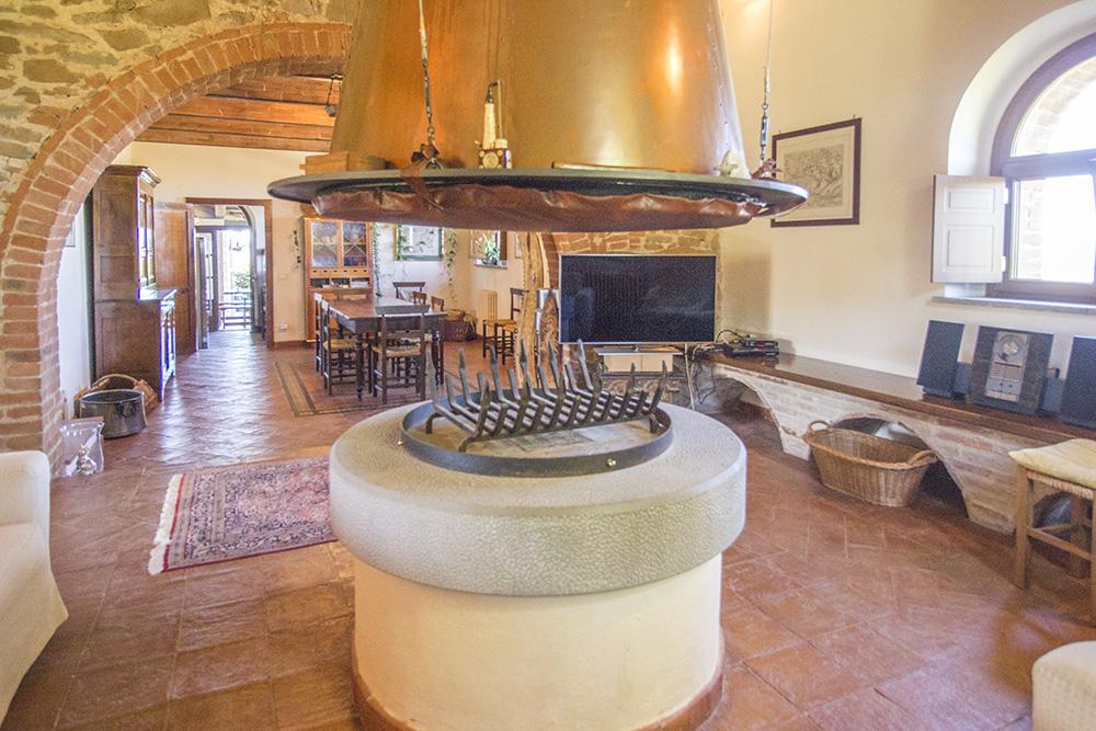 11-Casale-Val-delle-Vigne-Farm-Scansano-Maremma-Tuscany-For-sale-farmhouses-country-homes-in-Italy-Antonio-Russo-Real-Estate.jpg