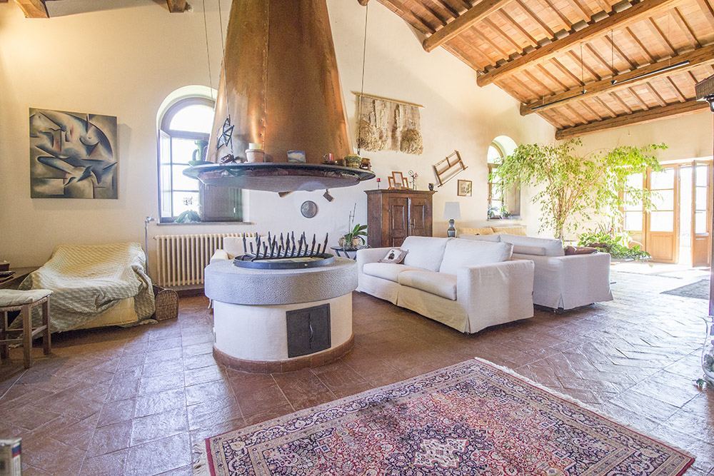12-Casale-Val-delle-Vigne-Farm-Scansano-Maremma-Tuscany-For-sale-farmhouses-country-homes-in-Italy-Antonio-Russo-Real-Estate.jpg