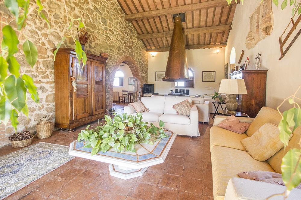 13-Casale-Val-delle-Vigne-Farm-Scansano-Maremma-Tuscany-For-sale-farmhouses-country-homes-in-Italy-Antonio-Russo-Real-Estate.jpg