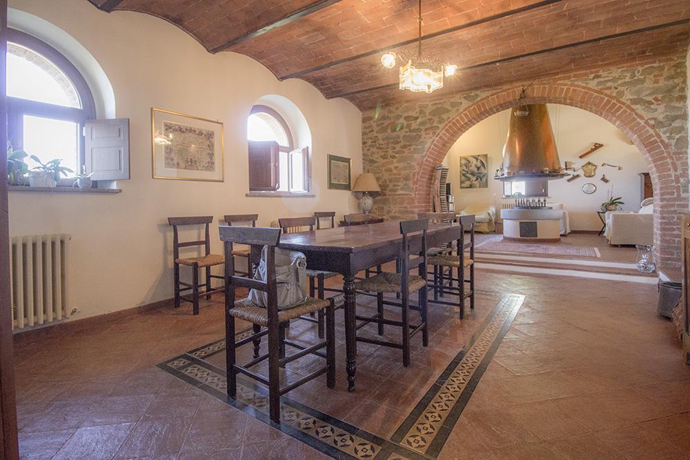 15-Casale-Val-delle-Vigne-Farm-Scansano-Maremma-Tuscany-For-sale-farmhouses-country-homes-in-Italy-Antonio-Russo-Real-Estate.jpg