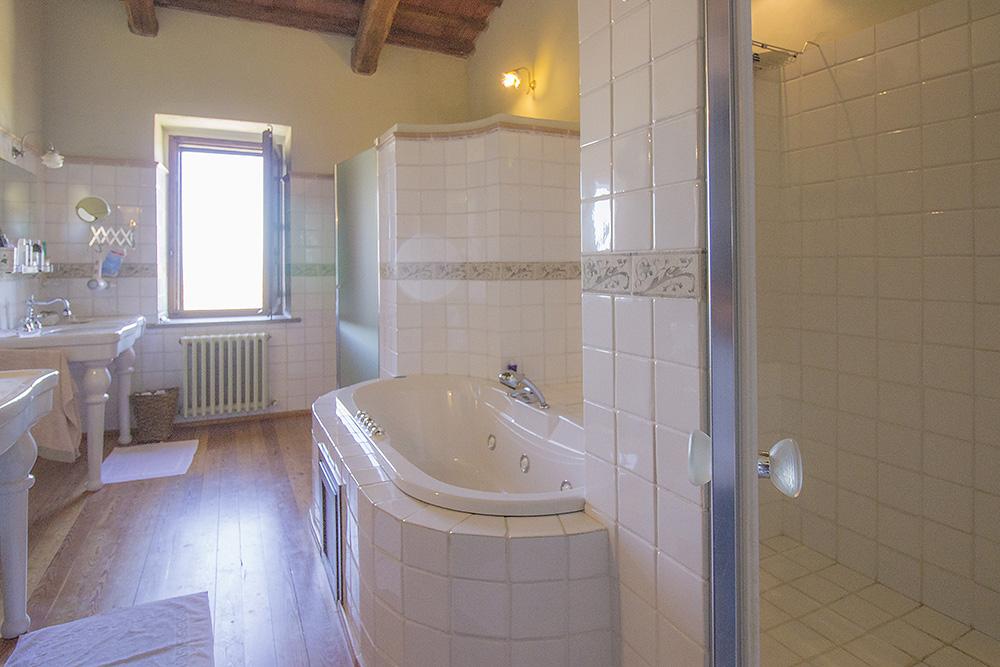 20-Casale-Val-delle-Vigne-Farm-Scansano-Maremma-Tuscany-For-sale-farmhouses-country-homes-in-Italy-Antonio-Russo-Real-Estate.jpg