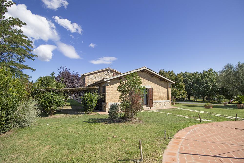 5-Maremma-Working-Farm-Grosseto-Castiglione-della-Pescaia-Tuscany-For-sale-Agriturismo-Antonio-Russo-Real-Estate-Italy.jpg