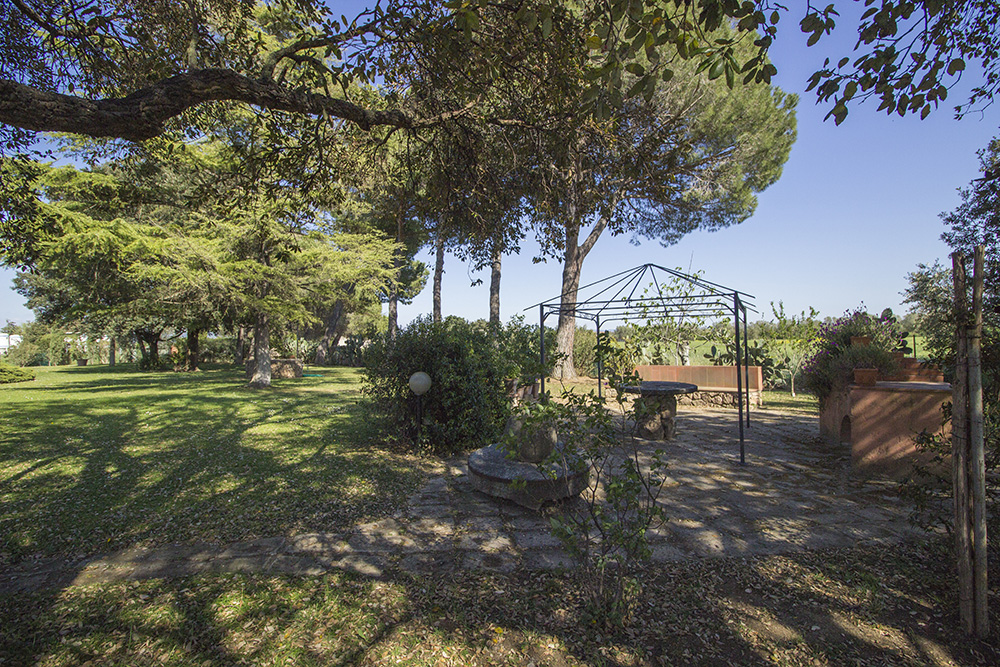 29-Casale-Toscano-Farm-near-city-Grosseto-Seaside-Countryside-Tuscany-For-sale-farmhouses-country-homes-in-Italy-Antonio-Russo-Real-Estate.jpg