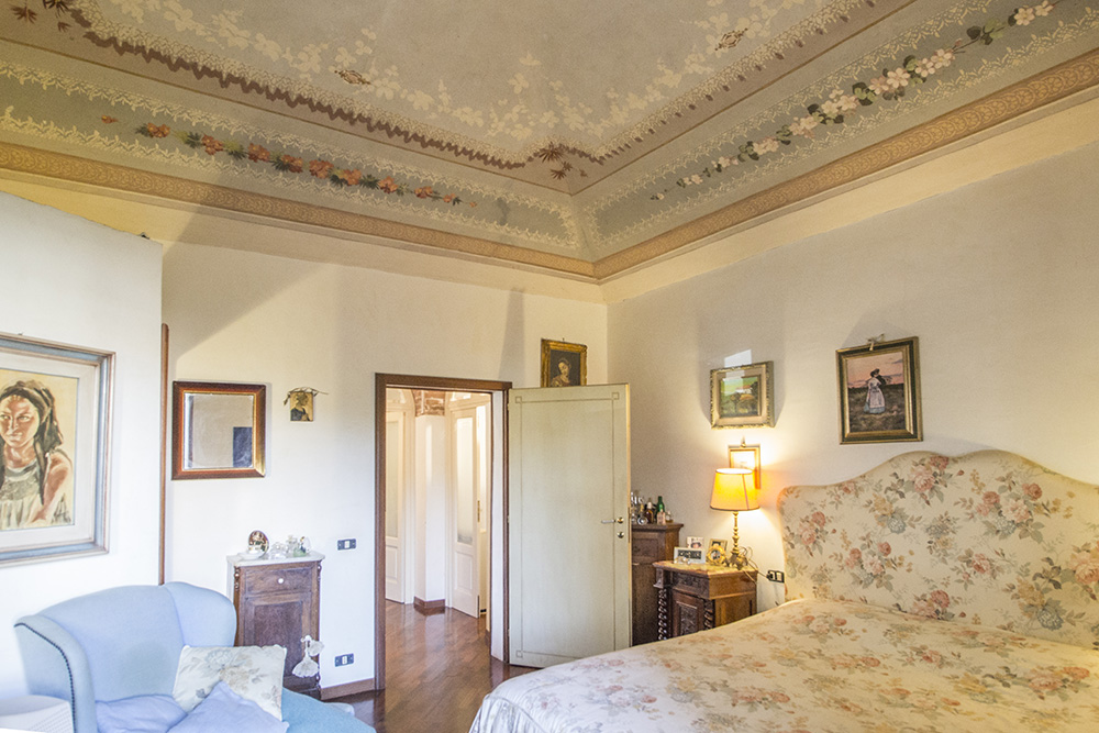 8-For-sale-exclusive-apartment-Italy-Antonio-Russo-Real-Estate-Historic-Center-Apartment-City-Grosseto-Citta-Tuscany.jpg