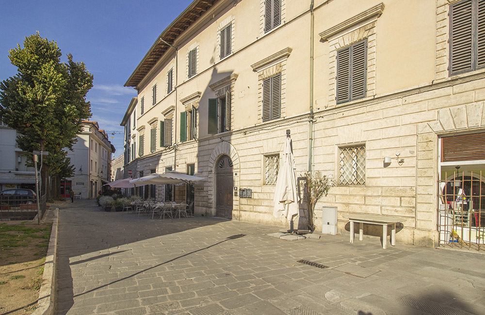 2-For-sale-exclusive-apartment-Italy-Antonio-Russo-Real-Estate-Historic-Center-Apartment-City-Grosseto-Citta-Tuscany.jpg