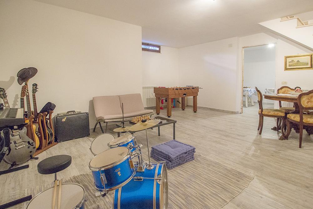 8-For-sale-exclusive-apartment-Italy-Antonio-Russo-Real-Estate-Crespi-Apartment-City-Grosseto-Citta-Tuscany.jpg