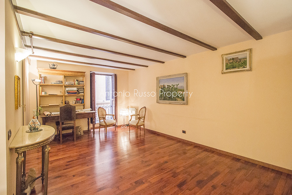 1-For-sale-exclusive-apartment-Italy-Antonio-Russo-Real-Estate-Rome-Historical-Center-Apartment-Piazza-Navona-Lazio.jpg